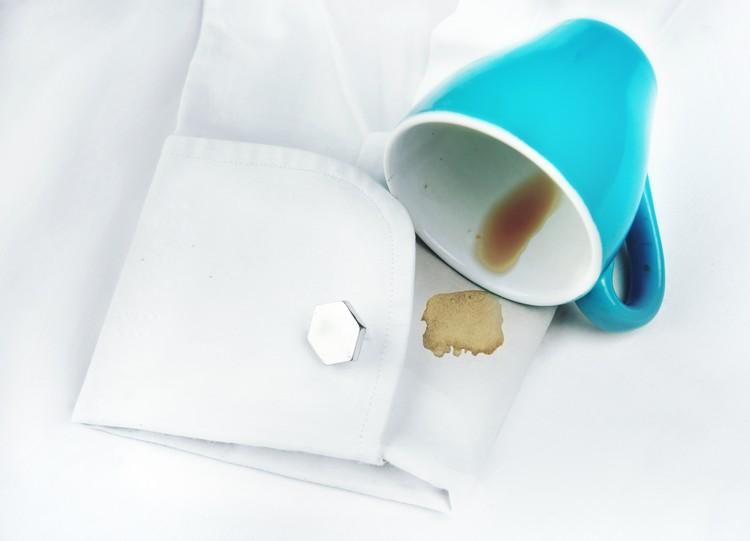 Tâche de café sur un vêtement